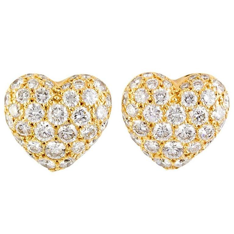 f2105c0bc70443 Finest Cartier Diamond Gold Heart Shaped Earrings For Sale at 1stdibs BW75