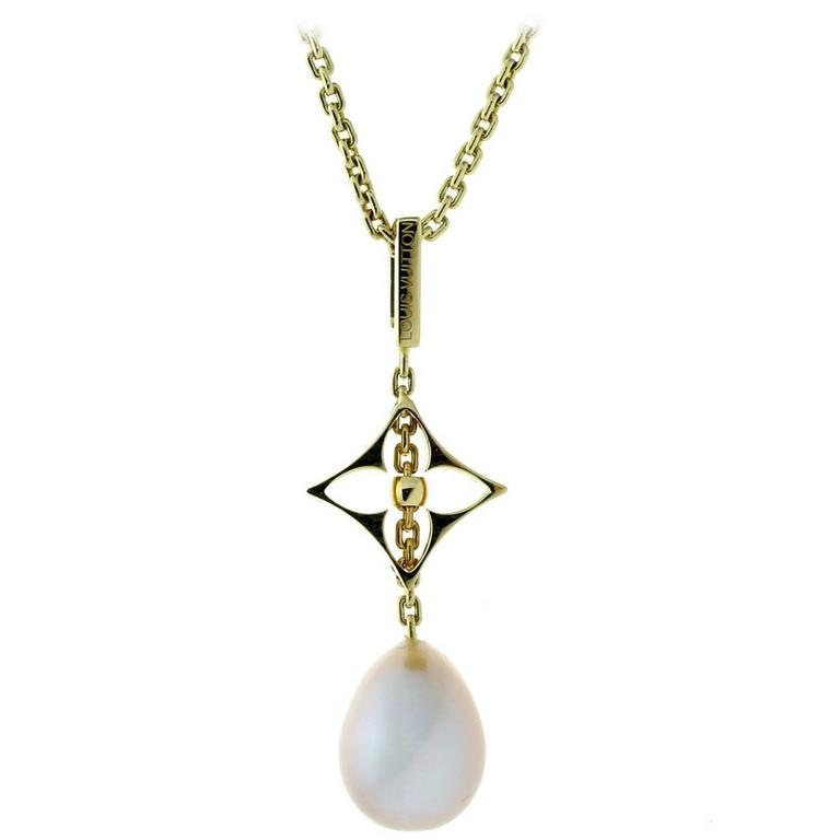 Louis Vuitton Pearl Gold Necklace