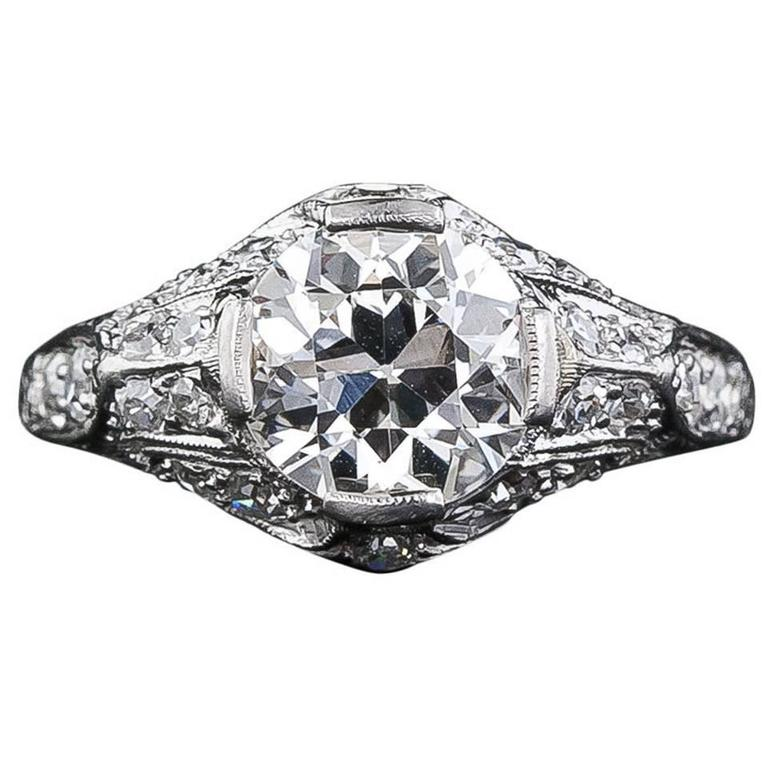 Edwardian 1.60 Carat Diamond Platinum Engagement Ring For Sale