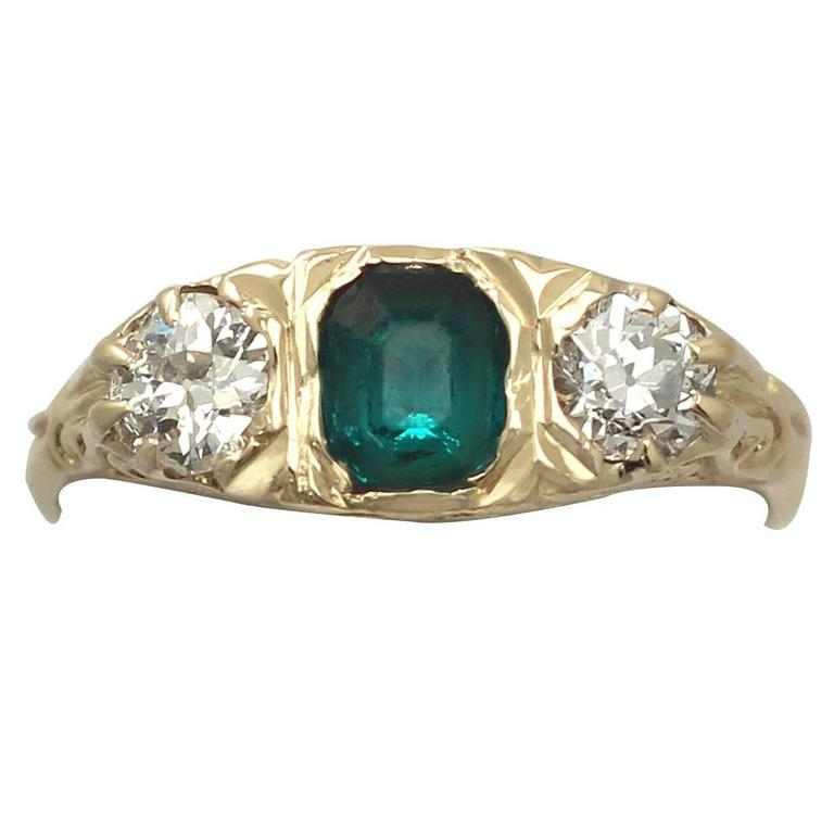 1910s Antique Emerald and Diamond Yellow Gold Cocktail Ring For Sale