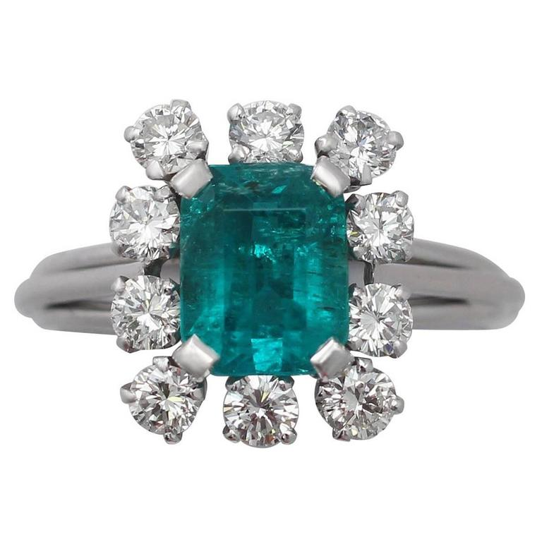 1.60Ct Emerald & 0.78Ct Diamond, Platinum Cluster Ring - Vintage French For Sale