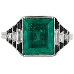 Art Deco Onyx 4.36 Carat Emerald Diamond Ring
