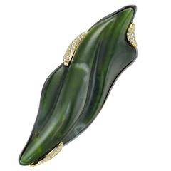 Naomi Sarna Hand-Carved Nephrite Jade Diamond Gold Brooch