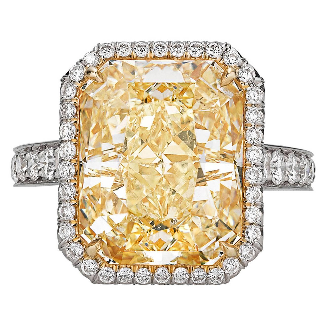 Fancy Yellow Diamond Ring 10 21 Carats For Sale at 1stdibs