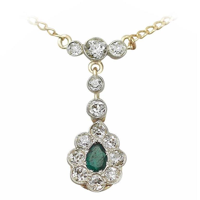 0.20 Ct Emerald and 0.82 Ct Diamond, 18k Yellow Gold Pendant - Antique