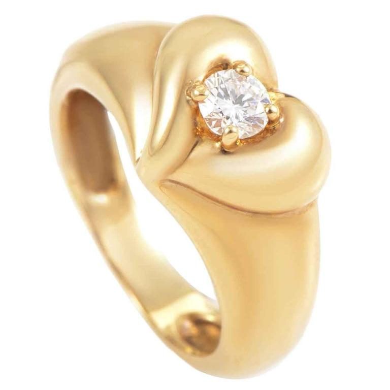 Van Cleef and Arpels Diamond Gold Heart Band Ring For Sale at 1stdibs