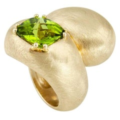 Yin Yang Peridot Gold Statement Ring Estate Fine Jewelry