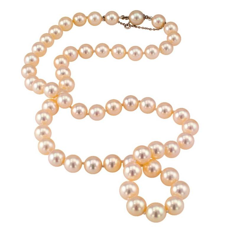 1960s Cultured Pearl Necklace For Sale