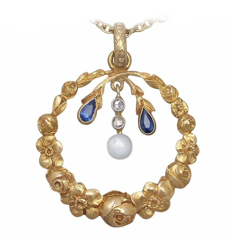 Pearl, 0.06Ct Sapphire and 0.04Ct Diamond, 14k Yellow Gold Pendant, Antique For Sale