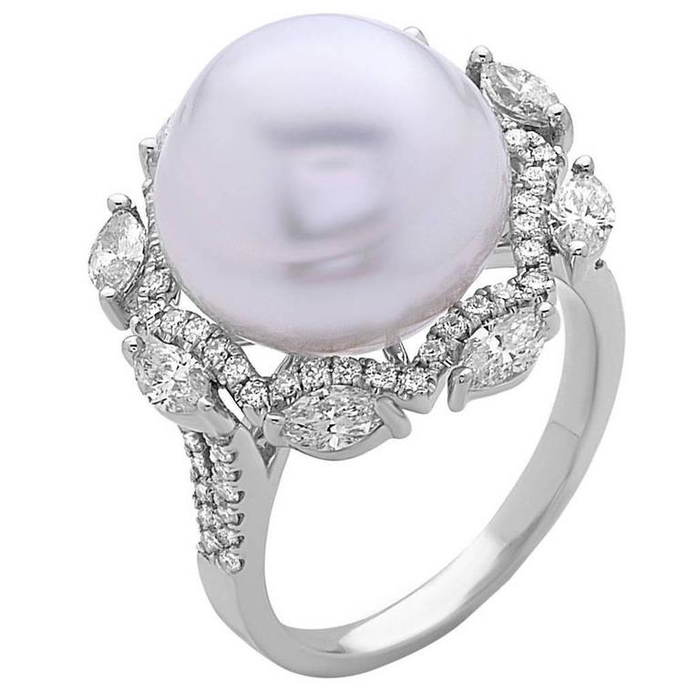 Beautiful South Sea Pearl Diamond Gold Cocktail Ring