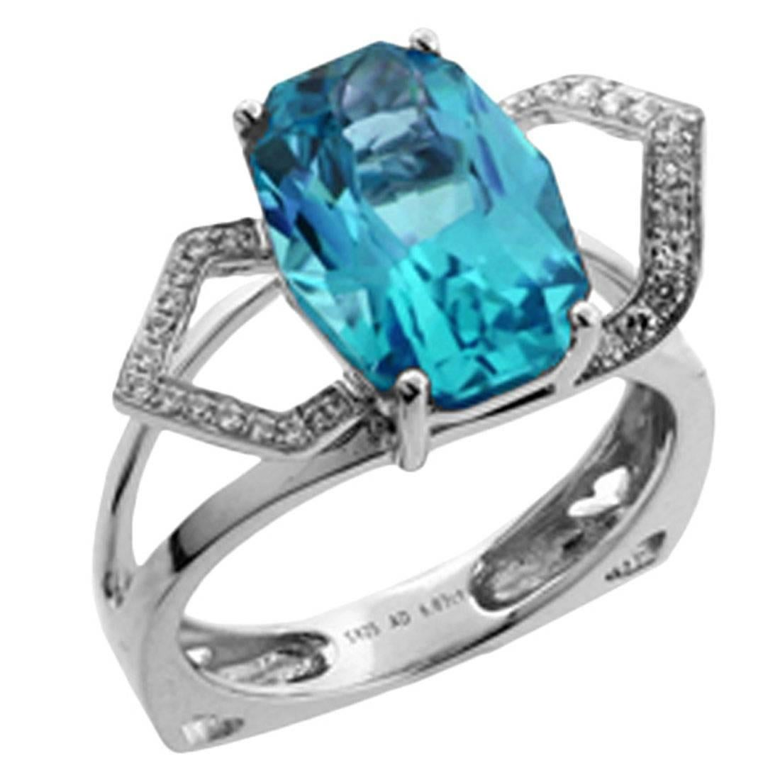 Blue Topaz and Diamond Gold Cocktail Ring Estate Fine Jewelry