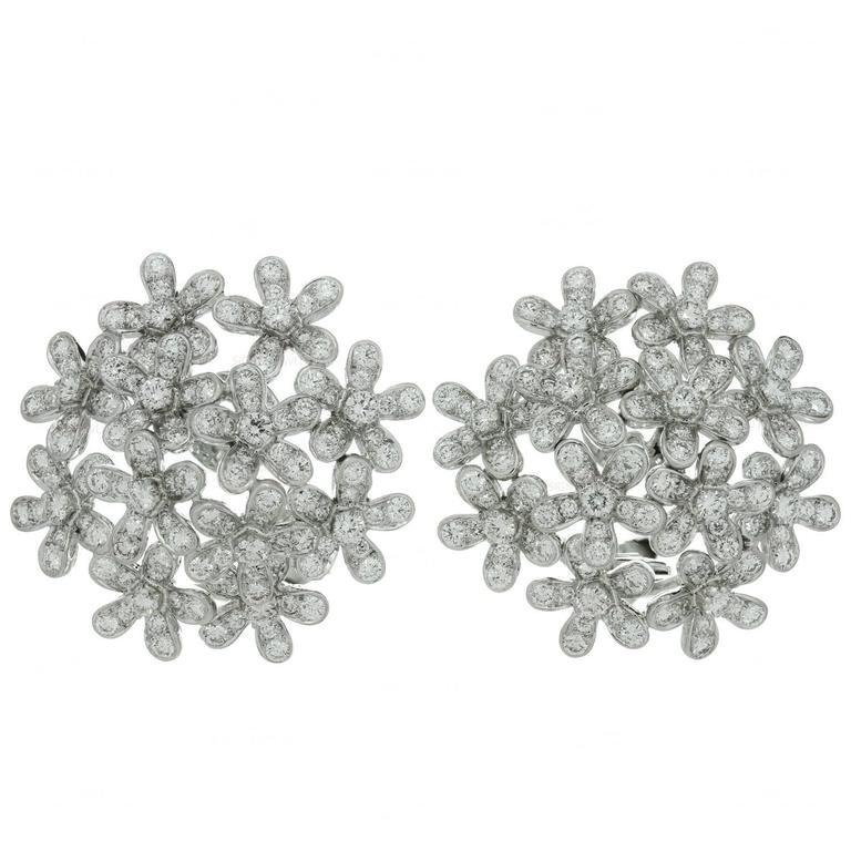 6fdb29cf9f5db Van Cleef and Arpels Socrate Bouquet Diamond Gold Earrings at 1stdibs