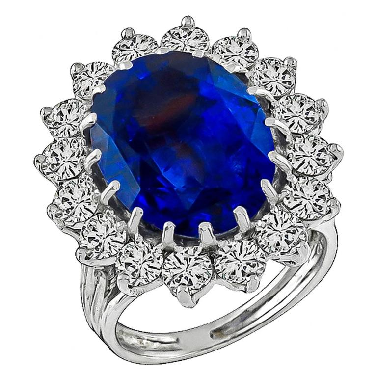 Enticing 10.35 Carat Natural Sapphire Diamond Gold Engagement Ring