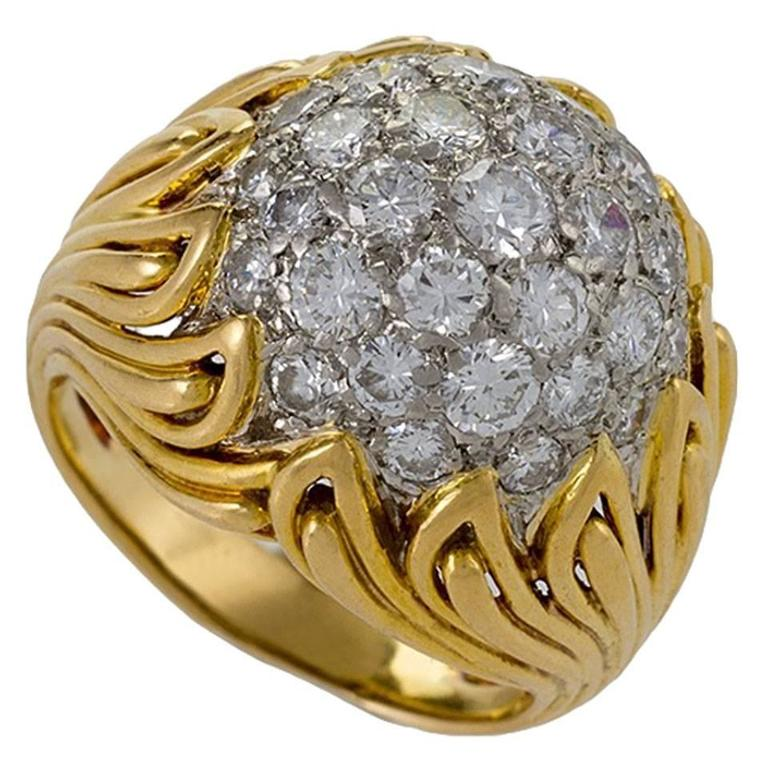 Van Cleef & Arpels 1960's Diamond and Gold Ring For Sale