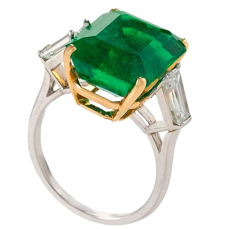 Colombian Emerald and Diamond Ring  For Sale