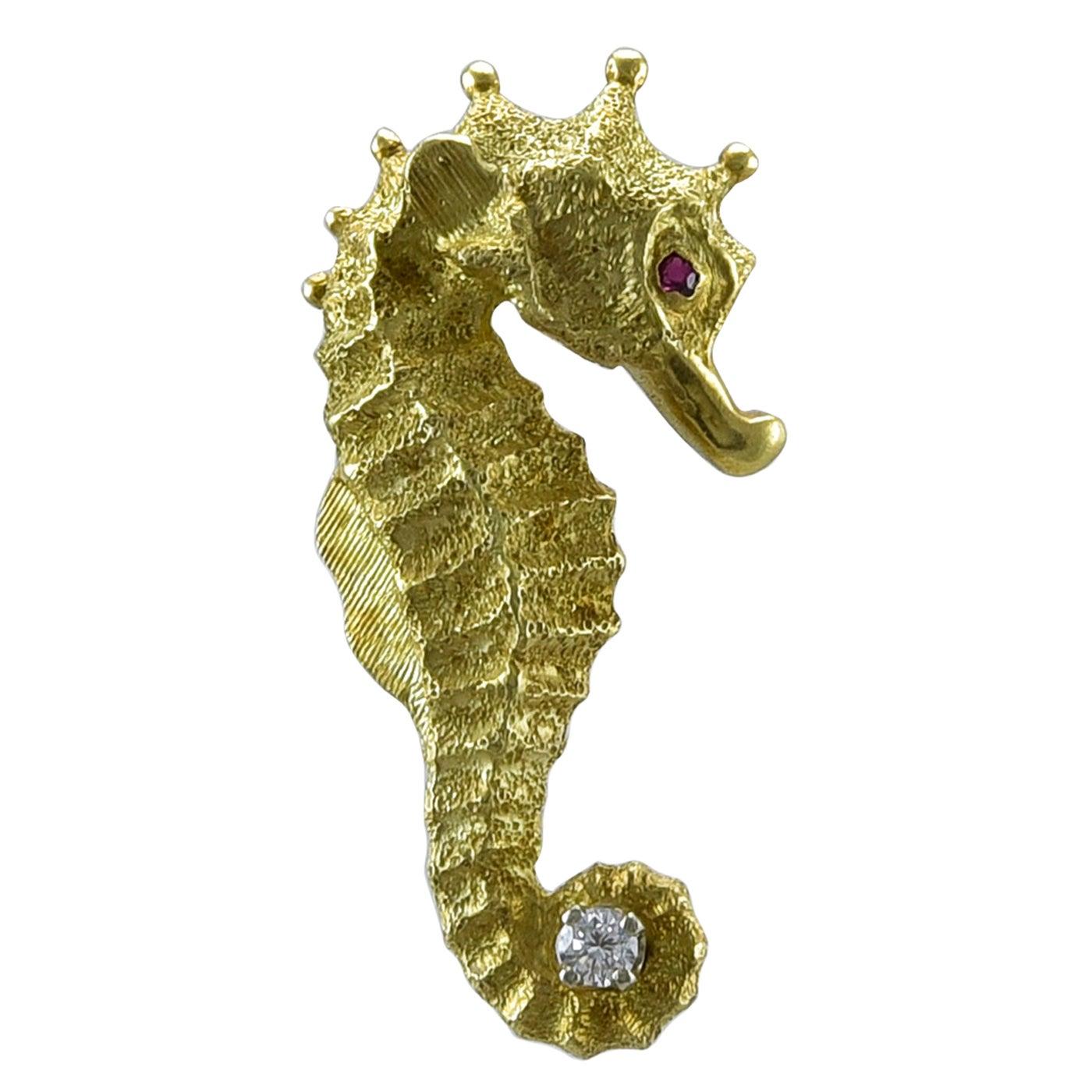 Seahorse Gold Gemset Pin