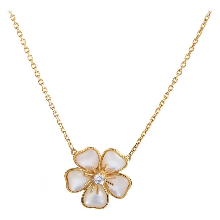 cleef and arpels nerval of pearl gold flower