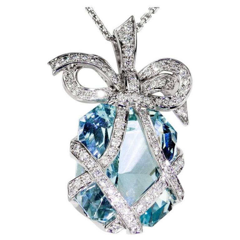 Outstanding 34.05 Carat Aquamarine Diamond Gold Bow Pendant Statement Necklace 1