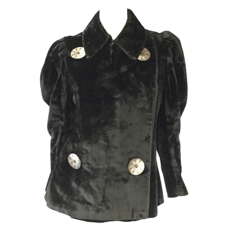 Antique Victorian Velvet Coat With Large Mother Of Pearl Buttons For