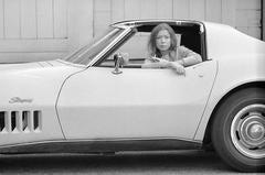 Joan Didion. Hollywood. (11A)
