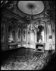 Versailles Parlor