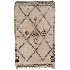 Rare Small Mid-Century Modern Ivory Moroccan Beni Ouarain Berber Rug