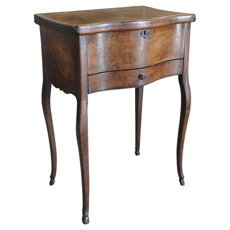 Early 19th Century French Side Table in Walnut