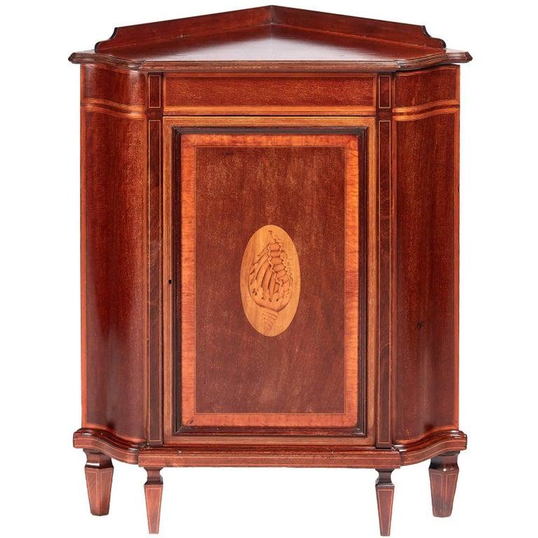 Fine Quality Edwards and Roberts Inlaid Mahogany Corner Cabinet
