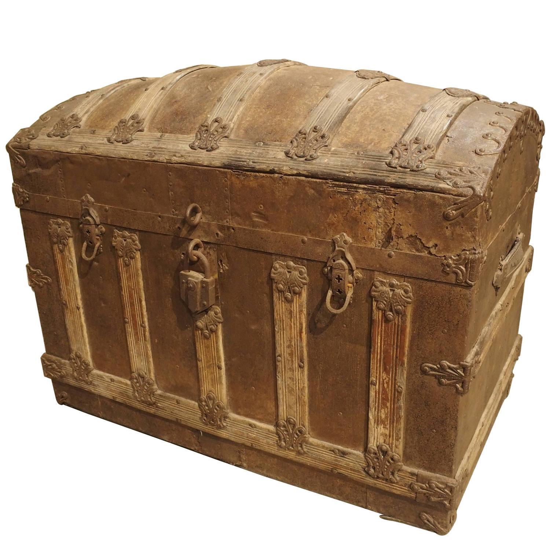 Antique american barrel top travel trunk circa at stdibs