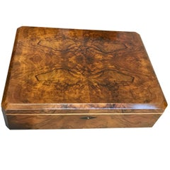 Bauhaus Casket Box, Walnut Veneer/Birdseye Maple, Germany, circa 1920