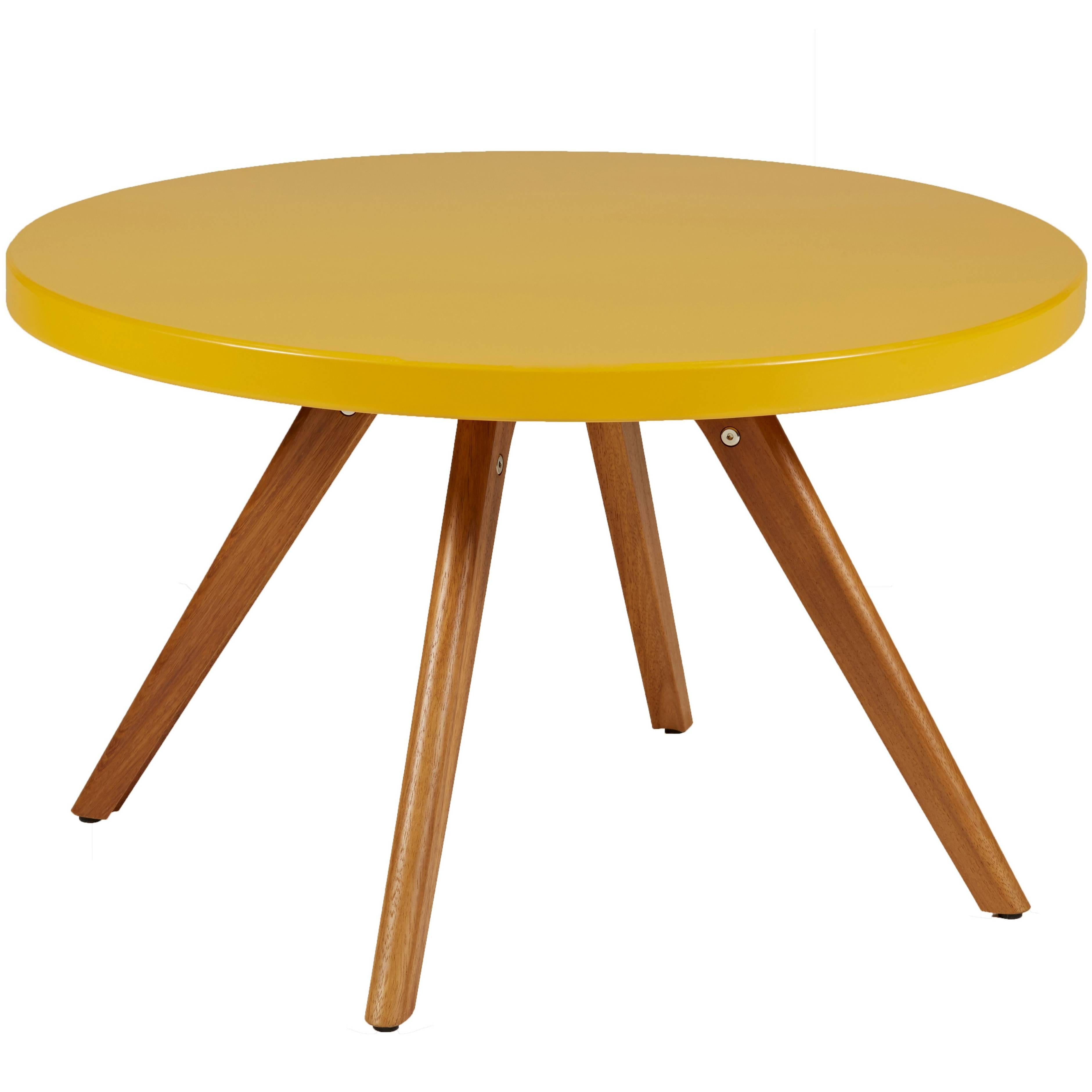 Charmant K17 Low Round Table 80 In Mustard Yellow By Tolix For Sale