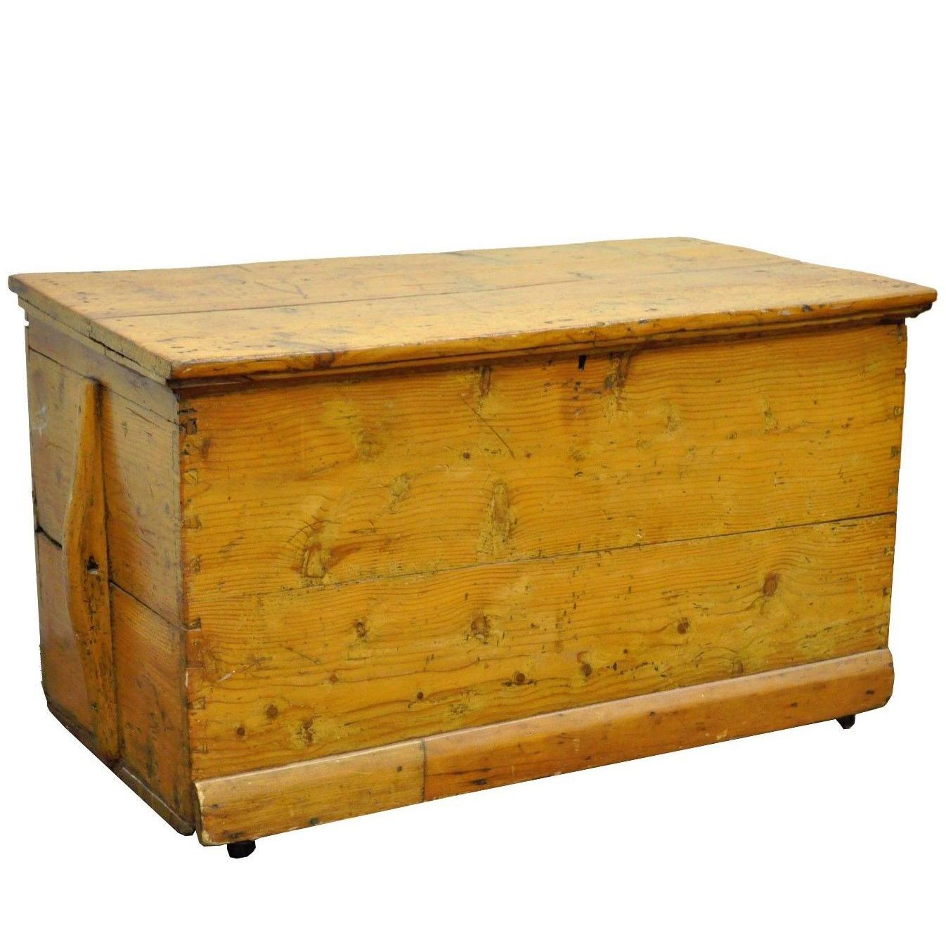 Antique Solid Pine Hand Dovetailed American Primitive Rustic Blanket Chest  Trunk For Sale