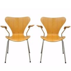 Pair of Danish Modern Fritz Hansen Arne Jacobsen Knoll Series 7 Armchairs C