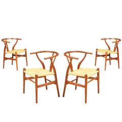 "Hans J. Wegner ""Wishbone"" CH-24 Dining Chairs for Carl Hansen & Søn"
