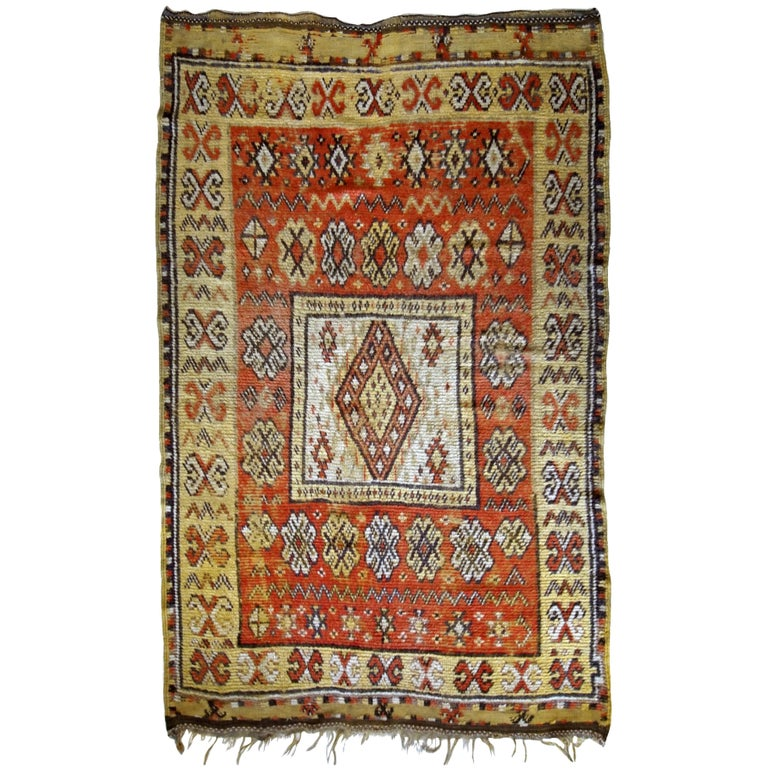 Handmade Antique Moroccan Berber Rug, 1920s For Sale At