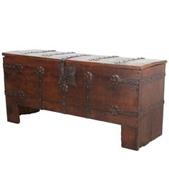 English 18th Century Oak and Iron Bound Trunk