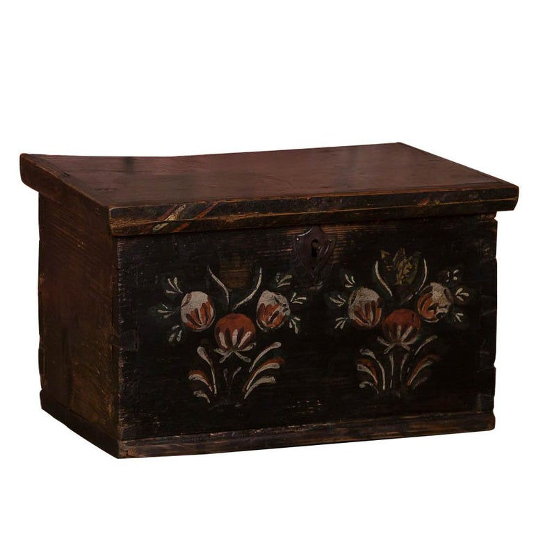 Small Antique Swedish Folk Art Painted Trunk or Box For Sale