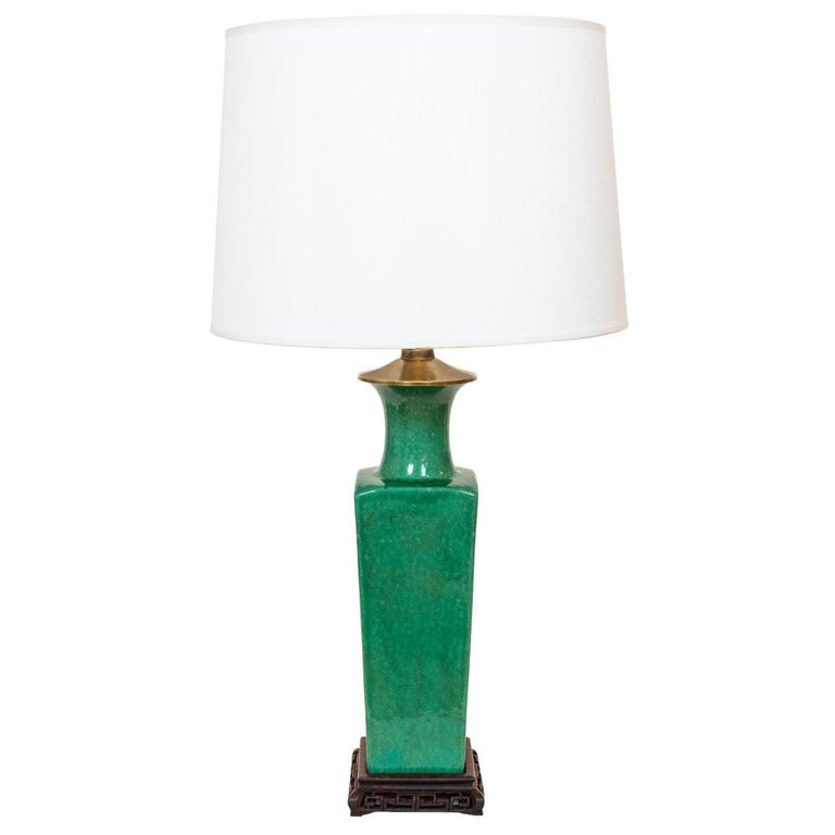 Late 19th-Early 20th Century Apple Green Chinese Urn Shaped Table Lamp For Sale