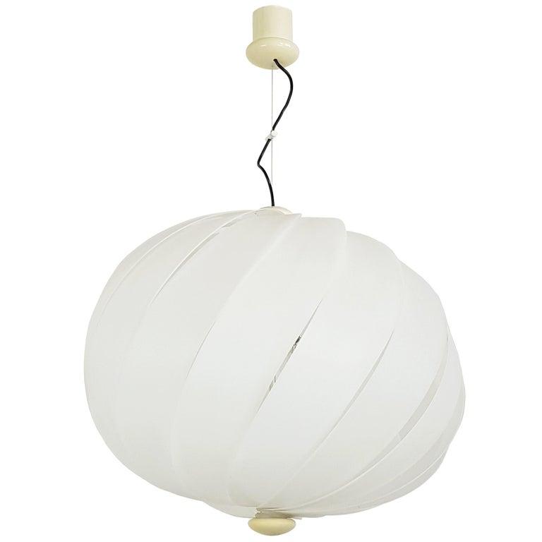 Italian Space Age White Plastic & Chromed Metal Three-Lights 1960s Pendant