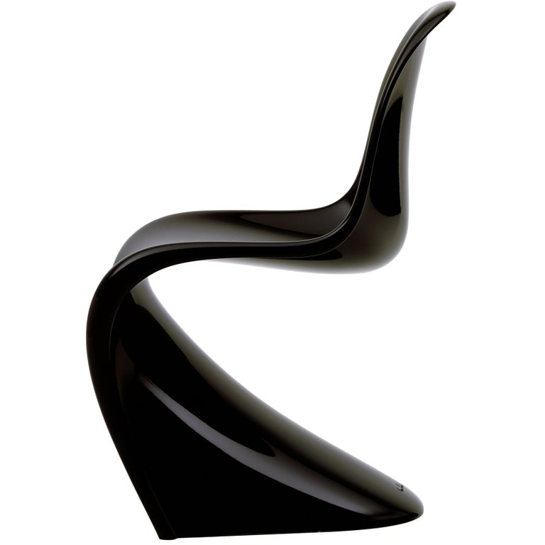 Vitra Classic Panton Chair in Lacquered Black by Verner Panton For Sale