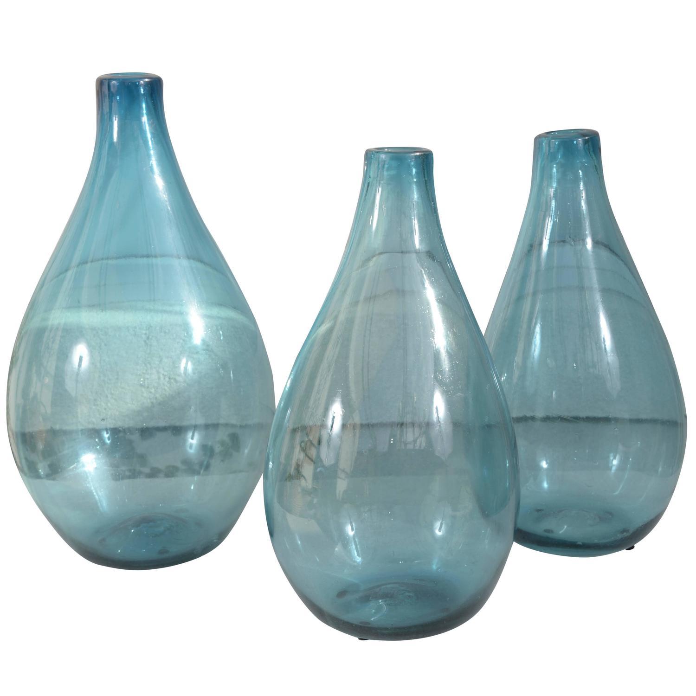 Blue glass vases for centerpieces aqua blue blown for Foyer colette yver rouen