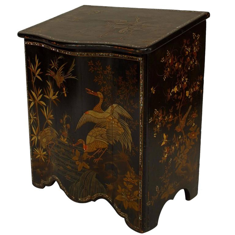 19th Century English Regency Chinoiserie Pearl-Inlaid Lacquered Floor Trunk