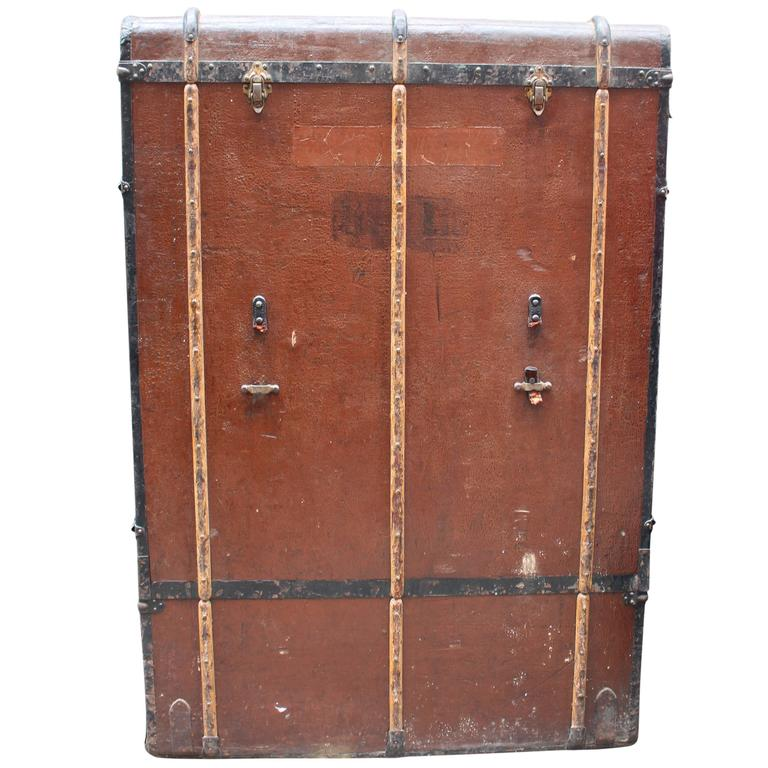 Bad Photos Large German Traveling Wardrobe Suitcase with Leather Handles For Sale