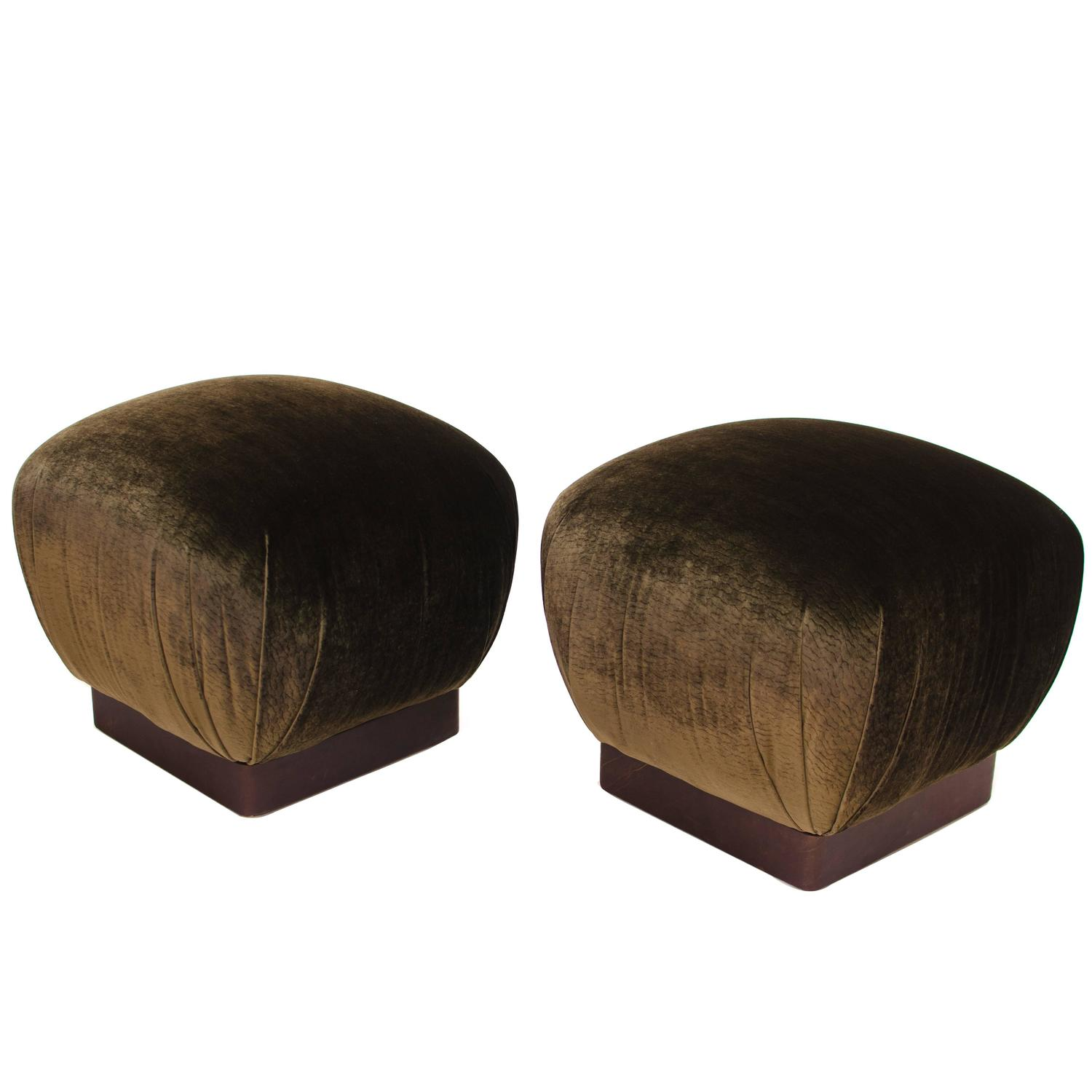 brown leather pouf the image kid has it. Black Bedroom Furniture Sets. Home Design Ideas