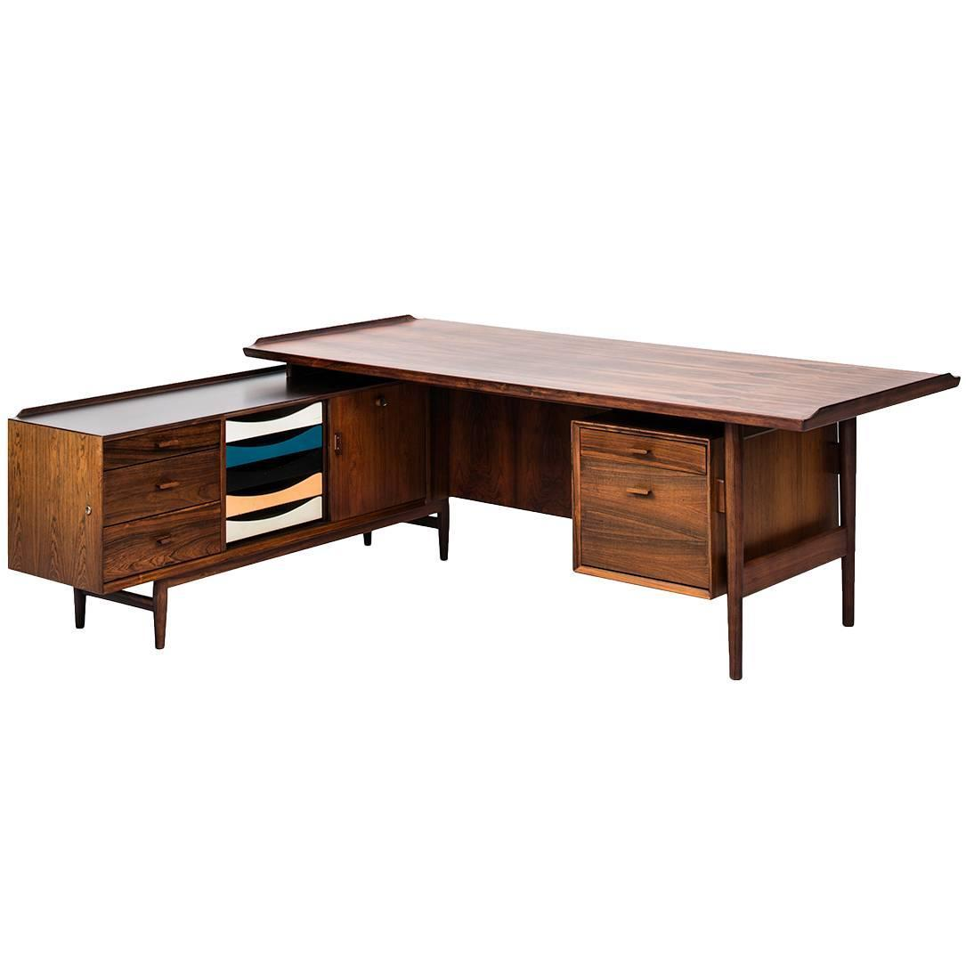 Arne Vodder L Shaped Desk With Sideboard Model 209 At 1stdibs. Full resolution‎  picture, nominally Width 1085 Height 1085 pixels, picture with #045871.