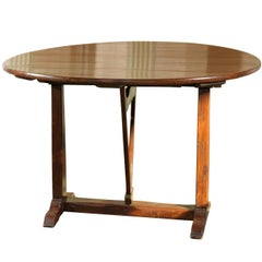 French Heart of Pine Wine Tasting Tilt-Top Table with Butterfly Wedge, 1890s