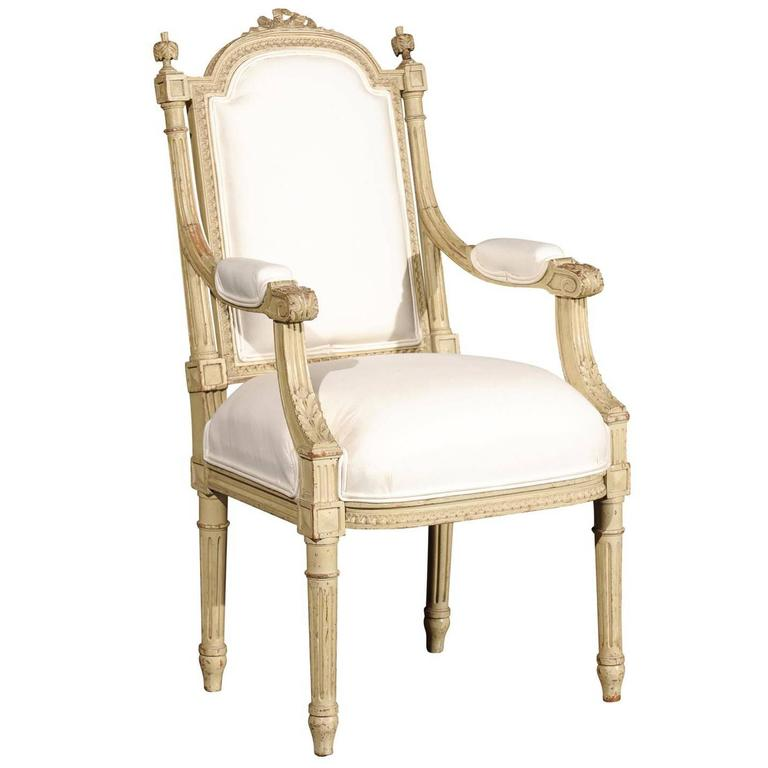 French 1920s Painted And Carved Wood Childu0027s Chair With Muslin Upholstery  For Sale