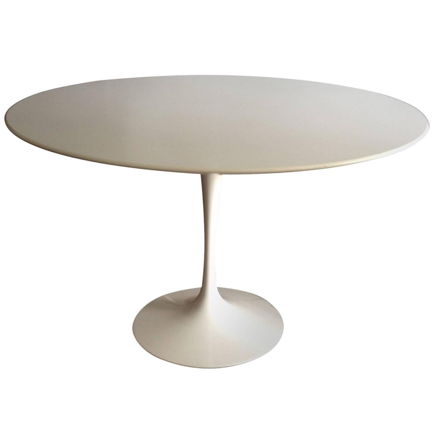 Eero Saarinen Round Dining Table At 1stdibs
