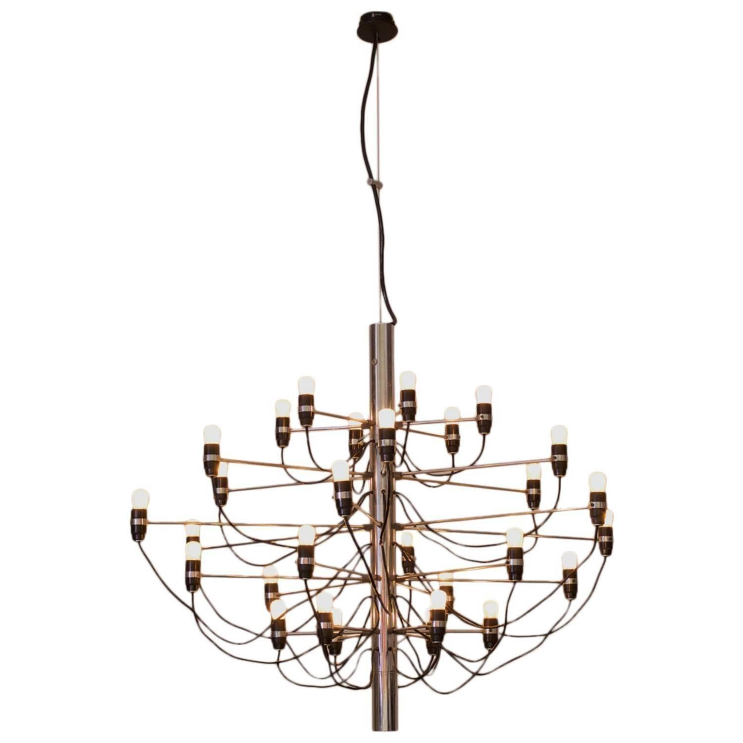 Early 2097 30 Chandelier by Gino Sarfatti for Arteluce For Sale at