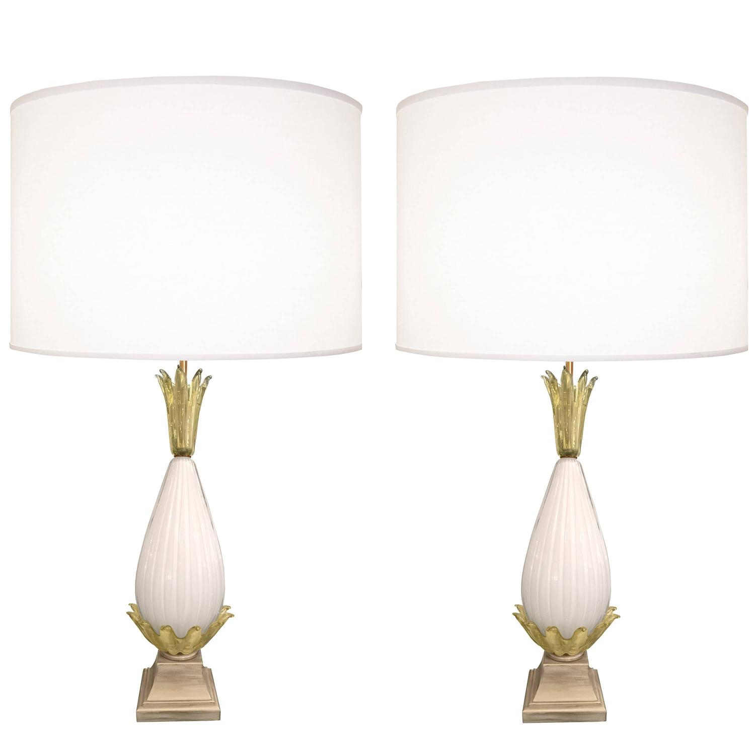pair of fluted murano glass lamps for sale at 1stdibs. Black Bedroom Furniture Sets. Home Design Ideas